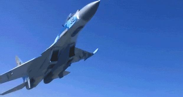 پرواز یک جنگنده در ارتفاع پایین