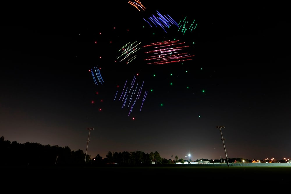 نمایش پهپاد نور افشان اینتل