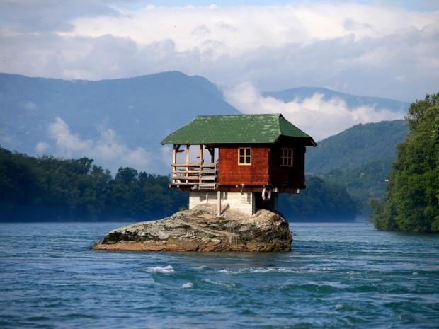 14 خانه عجیب در مکانهایی غیرممکن