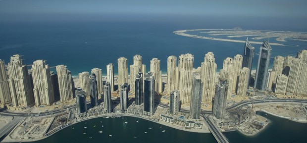 the-marina-also-includes-the-jumeirah-beach-residence-the-largest-single-phase-residential-development-in-the-world