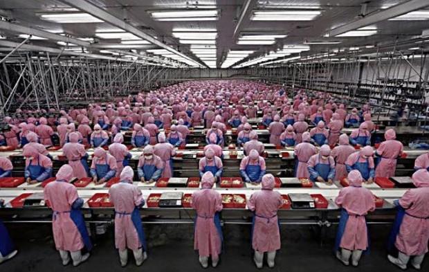 مزایای تولید آیفون در چین (1)