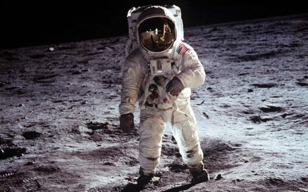 سفر تفریحی به ماه