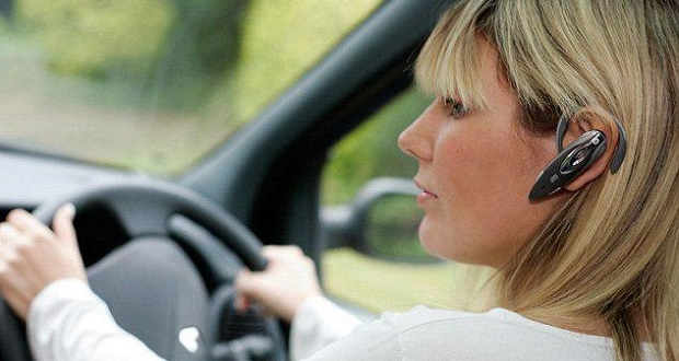 استفاده از هندزفری حین رانندگی