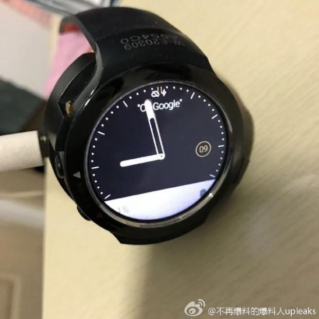 ساعت هوشمند شرکت اچ تی سی