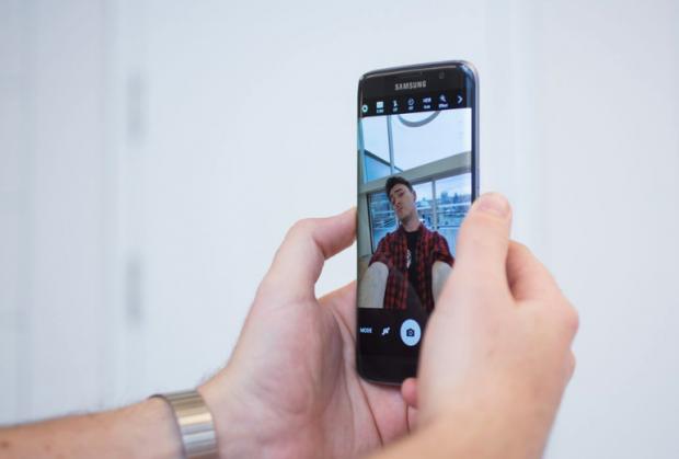 دوربین سلفی گلکسی اس 8 به تکنولوژی فوکوس خودکار جدیدی مجهز میشود