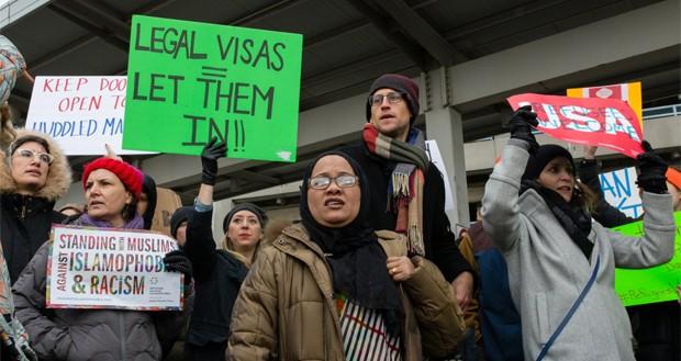 اپل، مایکروسافت و اوبر به دنبال راهی برای کمک به کارمندان مهاجر خود هستند