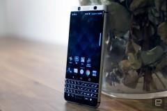 گالری عکس بلک بری کی وان ؛ نگاهی نزدیک به گوشی BlackBerry KEYone