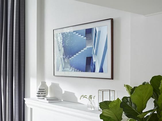 تلویزیون سامسونگ The Frame معرفی شد؛ محصولی مدرن با قابی کلاسیک