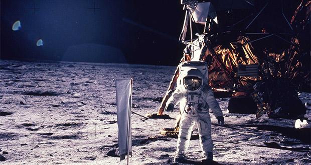 سفینه های موجودات فضایی در ماه