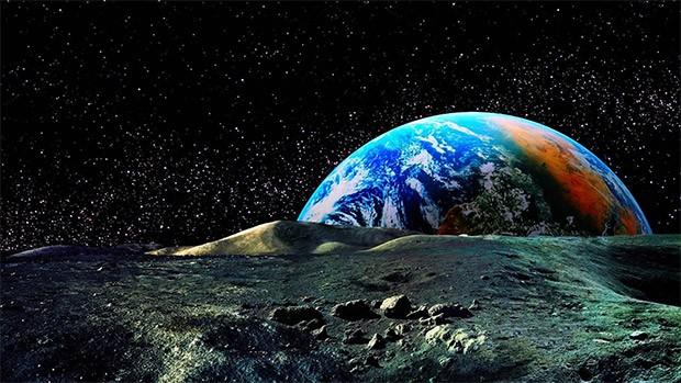 اسرار عجیب در مورد ماه
