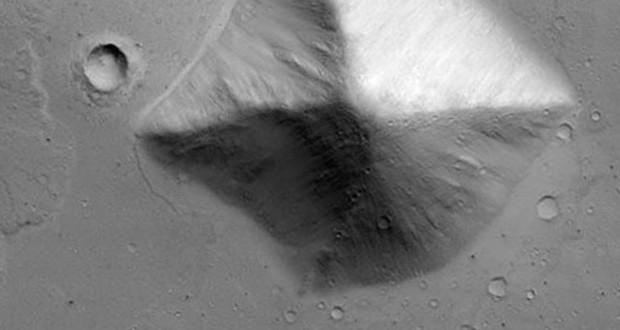 هرم در مریخ