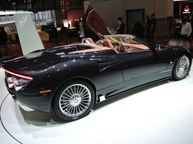 اتومبیل اسپایکر C8 Preliator Spyder