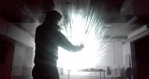 ساخت نمایشگر پروژکتوری بر روی قطره آب که با حرکات دست دگرگون میشود