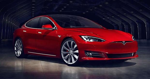 توقف تولید مدل 60 کیلووات ساعتی تسلا مدل اس