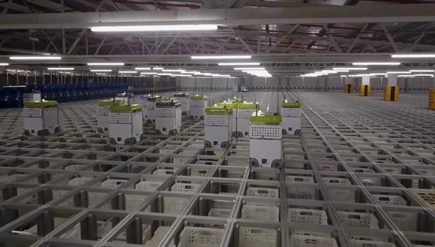 تصاویری جالب از انبارهای رباتیک مواد غذایی کمپانی Ocado