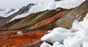 آبشارهای خونین قطب جنوب