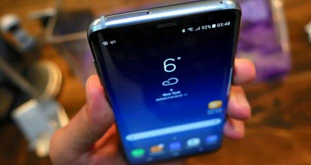 صفحه نمایش گلکسی S8