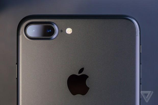 احتمالا باید برای خرید آیفون بعدی اپل کمی بیشتر از همیشه منتظر بمانید
