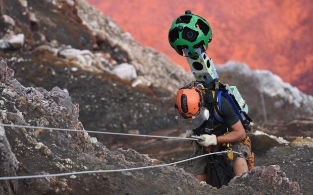 نزدیک شدن به آتشفشان فعال با سرویس Street View گوگل