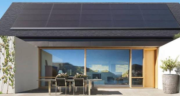 معرفی پنل های خورشیدی جدید تسلا که بر روی سقف خانهها نصب میشوند
