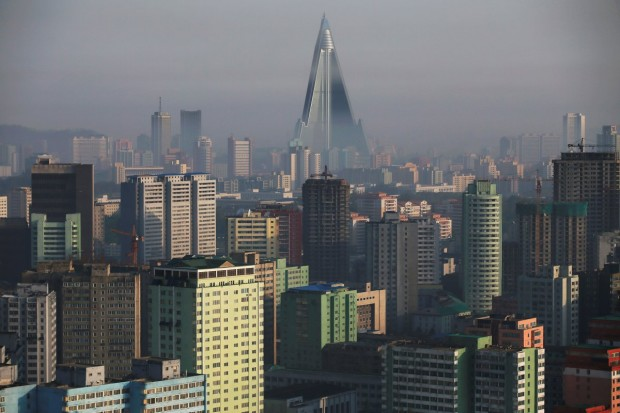تصاویری جالب و عجیب از بناهای عظیم کره شمالی -Ryugyong