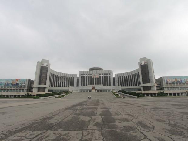 تصاویری جالب و عجیب از بناهای عظیم کره شمالی -Manyongdae