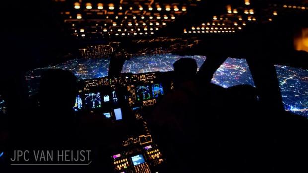 مجموعهای چشمنواز از مناظر شگفتانگیز قابلمشاهده از داخل کابین خلبان یک بوئینگ747