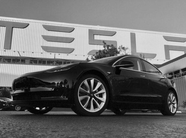 تصویر تسلا مدل 3