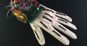 دستکش هوشمند The Language of Glove