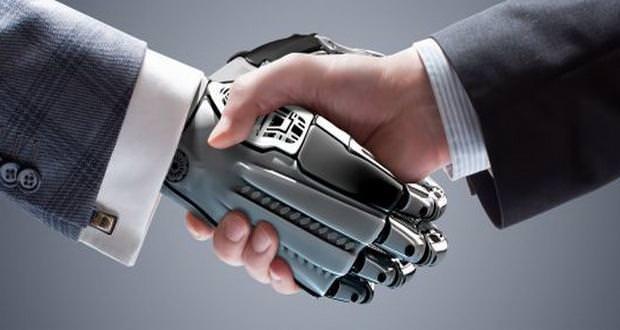 اولین ربات وکیل جهان، رسما کار خود را آغاز کرد