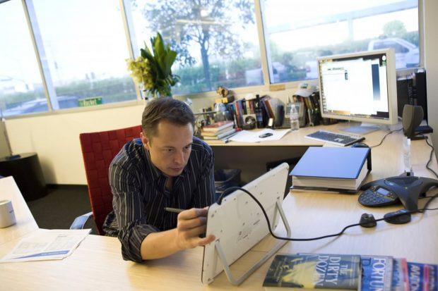 زندگی نامه ایلان ماسک ؛ فراز و نشیبهای زندگی جالبتوجهترین مرد حوزه تکنولوژی