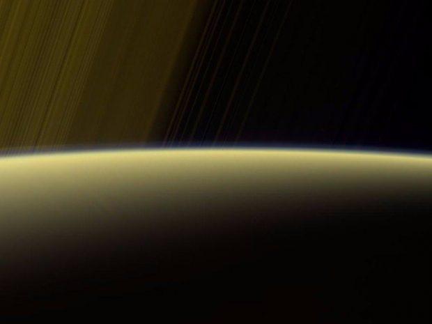 مراحل پایانی زندگی کاوشگر کاسینی و اطلاعات با ارزش تازه منتشرشده توسط فضاپیمای زحل