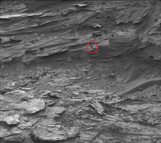 اجسام عجیب بر روی سیاره مریخ