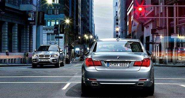 مشکل اتومبیل های خودران با علائم راهنمایی و رانندگی غیرواضح