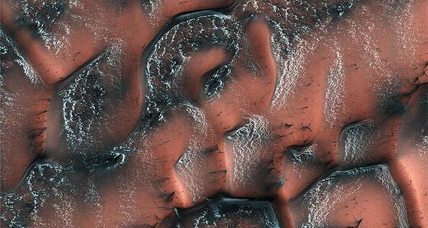 بارش برف در سیاره مریخ
