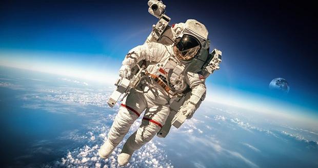 اعزام انسان به فضا
