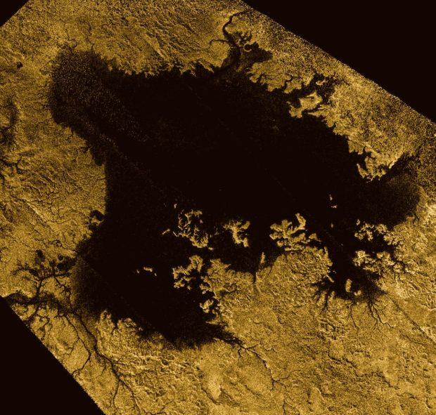 100 تصویر شگفت انگیز از سیاره زحل
