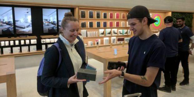 خریدن آیفون 8 بهتر از آیفون ایکس اپل