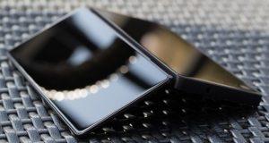نخستین گوشی هوشمند تاشو