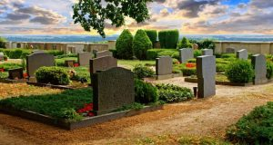 چرا انسان در سیر تکامل به جاودانگی نرسیده است و چگونه میتوان مرگ را برای همیشه به تعویق انداخت؟!