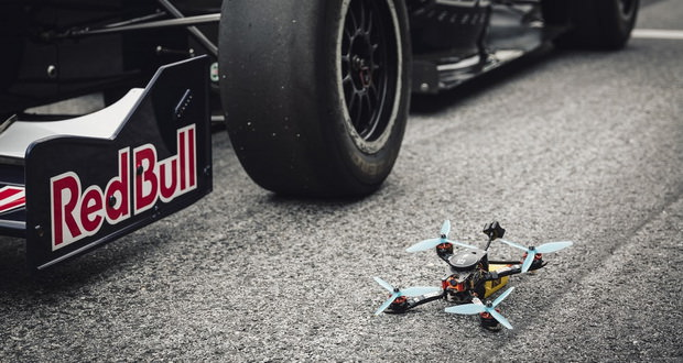 مسابقه Red Bull DR.ONE