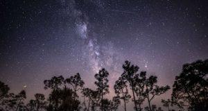 ستاره شناسان توصیه میکنند که بارش شهاب اژدهایی اوایل این هفته را به هیچ وجه از دست ندهید!