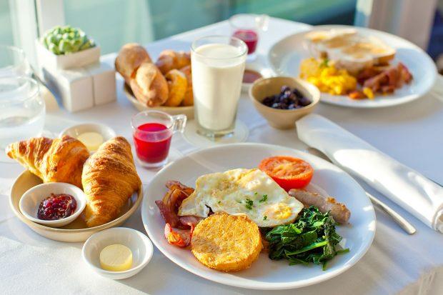 جدیدترین تحقیقات دانشمندان در مورد ارتباط صبحانه نخوردن و بیماری های قلبی