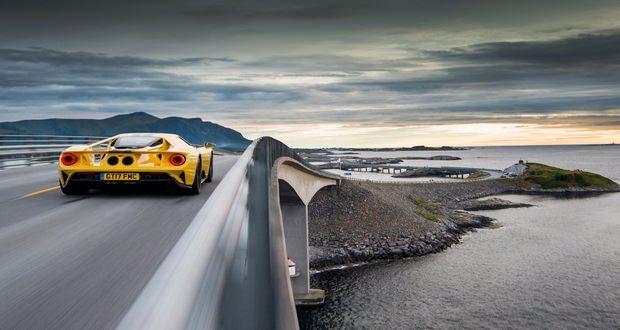 خودنمایی جدیدترین فورد جی تی (Ford GT) در جاده معروف اقیانوس اطلس در نروژ (ویدیو)