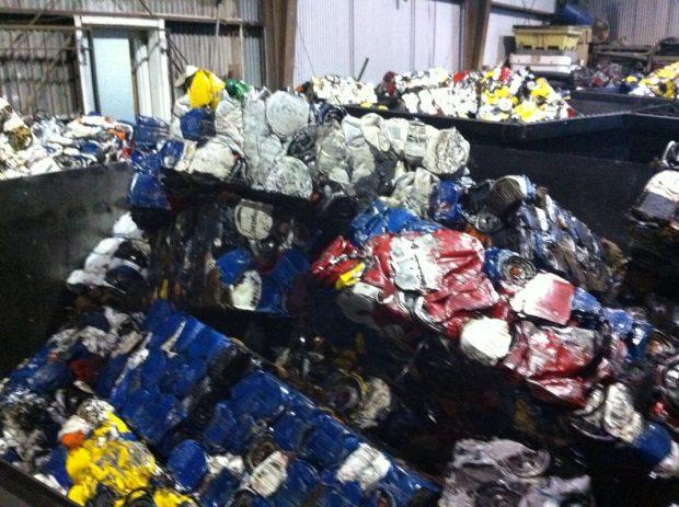 بازیافت فیلتر روغن ماشین چه مزایایی برای محیط زیست و صنعت دارد؟ + ویدیو
