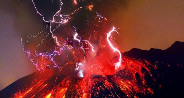 صاعقه در آتشفشان ؛ پدیدهای شگفتانگیز و در عین حال خطرناک + ویدیو