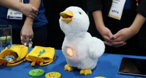 اردک رباتیک افلک (Aflac)؛ گجتی برای خوشحال کردن کودکان مبتلا به سرطان