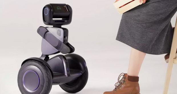 ربات سگ وی لوومو (Loomo) شما را همانند یک حیوان خانگی دنبال میکند + ویدیو