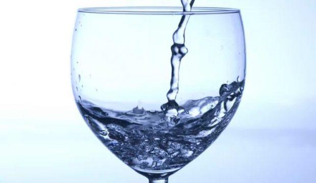 آب خالص ؛ اکسیر سلامتی با خواص فراوان یا حقهای تبلیغاتی