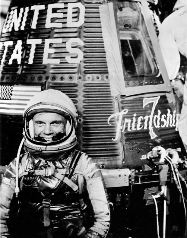 مکالمه رادیویی یکی از فضانوردان برجسته ناسا در هنگام برخورد با یوفوها